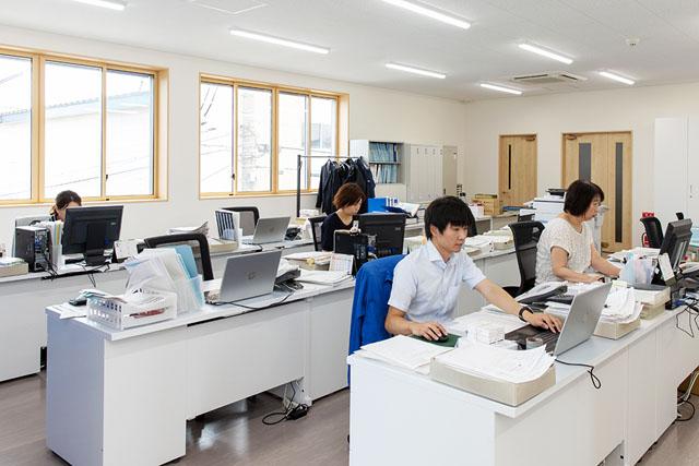 秋田支店 営業部全景